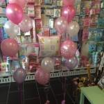 Ballons in rosa zur Geburt eines Mädchens