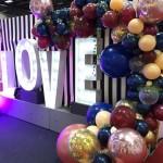 Ballongirlande zur Hochzeit