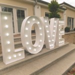 Leuchtbuchstaben LOVE