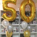 Ballonstrauss zum 50. Geburtstag in gold